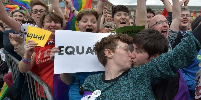 Dublin crowds celebrated the referendum result on 24 May 2015